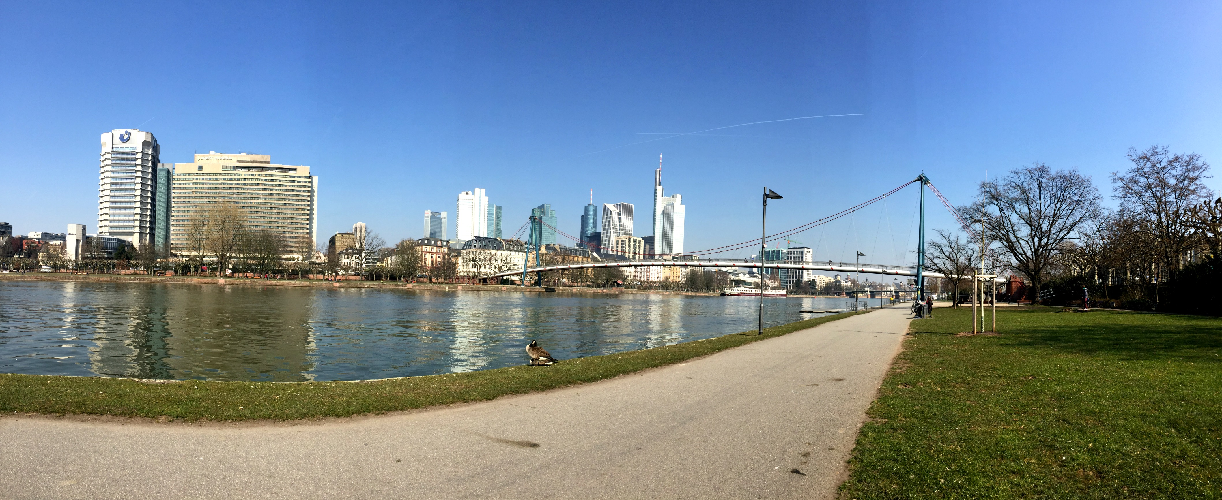 Frankfurt Travel Diary Blogger