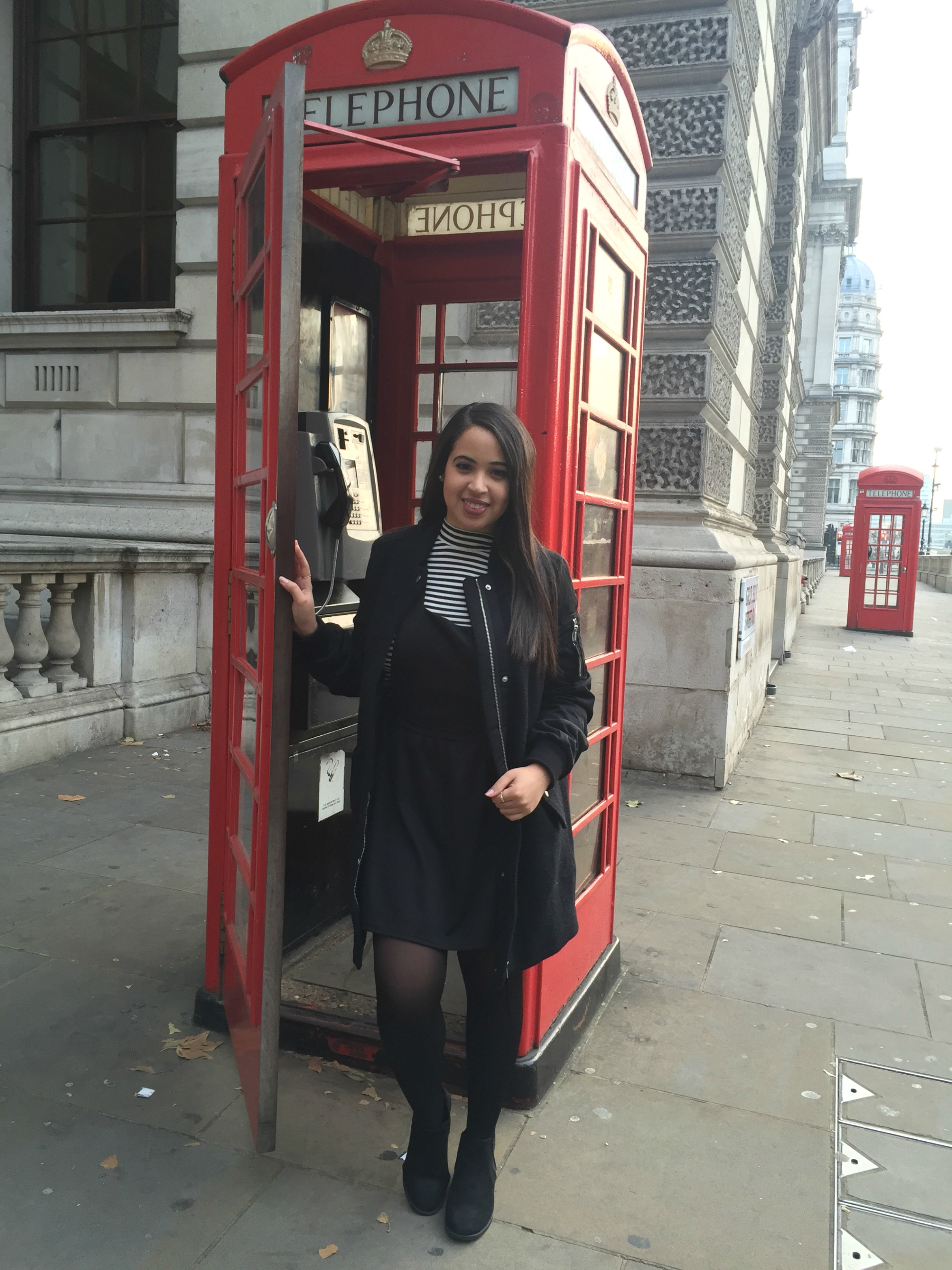 London Travel Diary red telephone booth