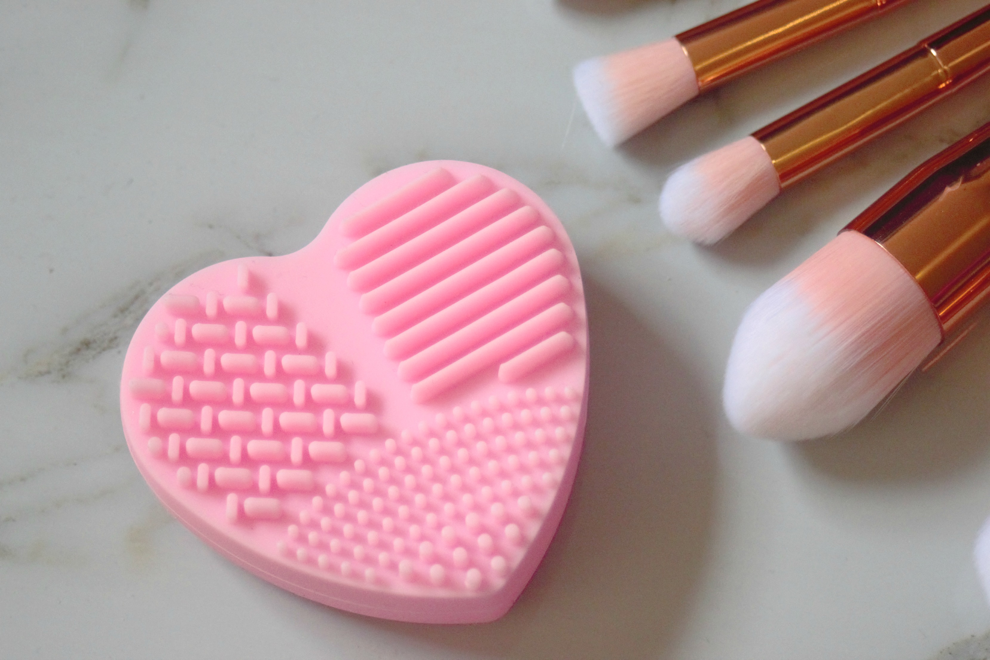 aliexpress heart sillicone makeup brush cleaning tool